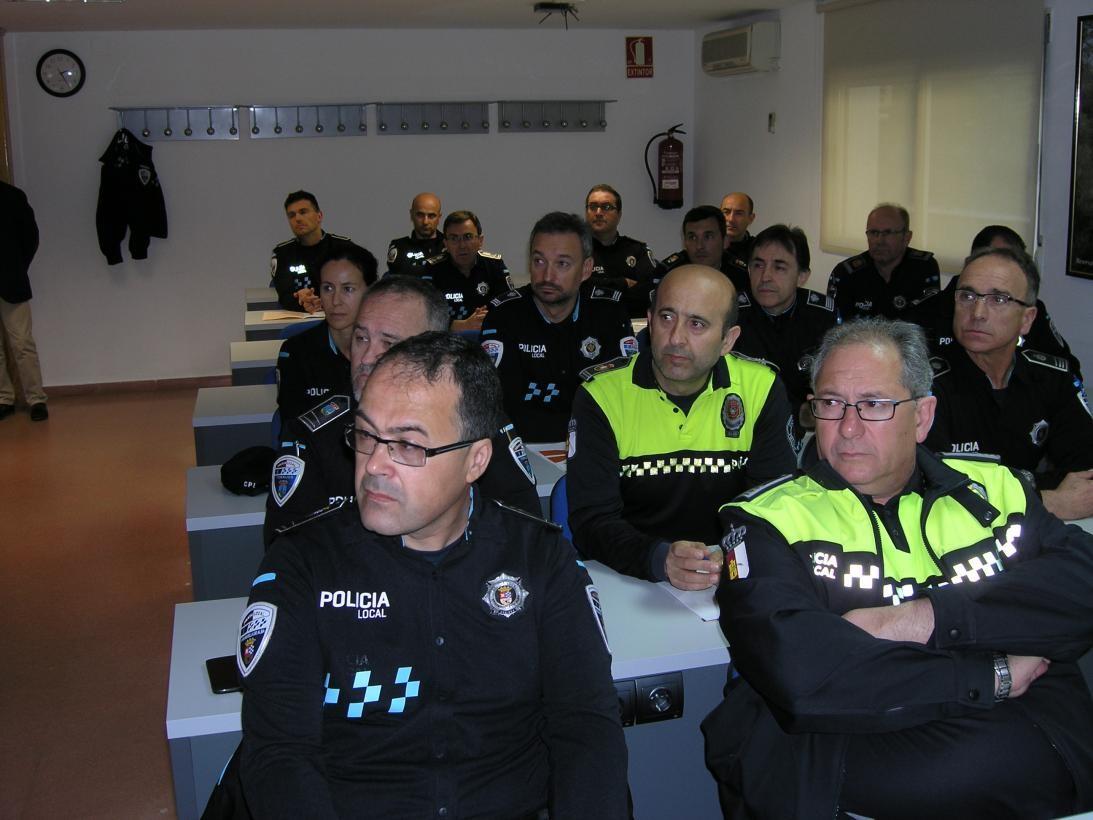 Impartición de un curso sobre riesgo sísmico en la Escuela de Protección civil de Castilla-La Mancha