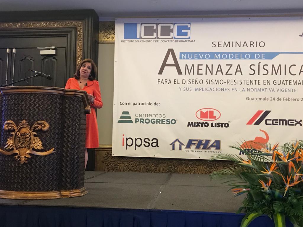 Participación de Belén Benito en el Seminario sobre Amenaza Sísmica en Guatemala