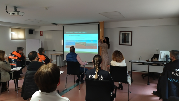 Impartición del Curso sobre riesgo sísmico en la Escuela de Protección Ciudadana de Castilla – La Mancha.